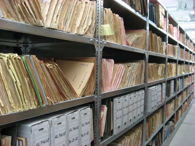 Veraltetes-Dokumenenten-Management-System-Archiv